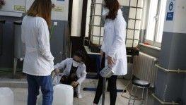 Öğrenci fabrikasından 3 ile koronavirüs için özel çözelti