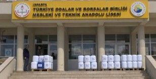 Öğretmen ve öğrenciler 55 saatte 38 ton dezenfektan üretti