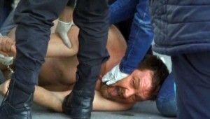 Alkollü adam Esenyurt'ta ortalığı birbirine kattı