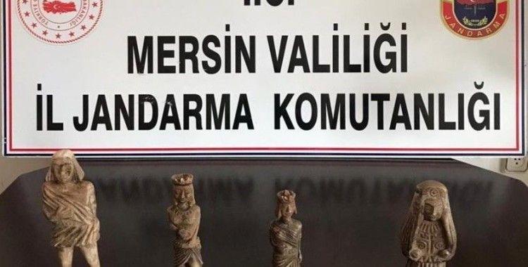 Mersin'de Roma dönemine ait 4 heykel ele geçirildi