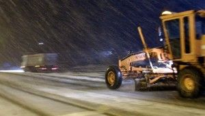 Kop Dağı Geçidi'nde ulaşıma kar engeli