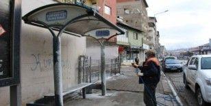 Oltu'da ilçe merkezi dezenfekte ediliyor