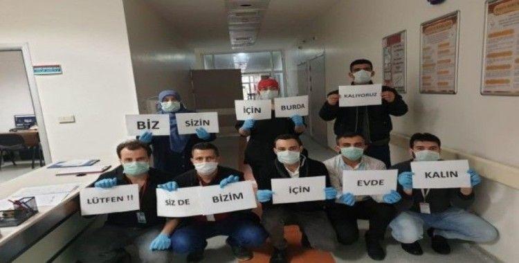 """Sağlık çalışanlarından Türkçe ile Arapça """"evde kalın"""" çağrısı"""