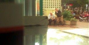 Bankta oturan yaşlılara sulu ikaz