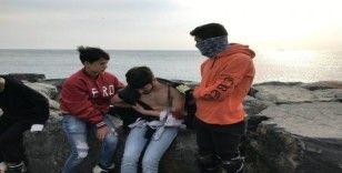 Avcılar'da gençlerin kavgasında kan aktı: 1 yaralı