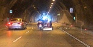 (Özel) Kağıthane Tüneli'nde ilginç yolculuk kamerada