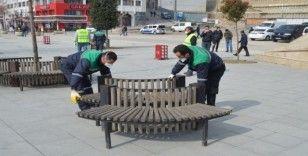 Bolu'da, bank ve oturaklar kaldırıldı
