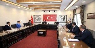 Başkan Yalçın'dan Genel Başkan Yardımcısı Özhaseki'ye proje sunumu