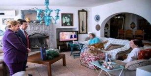 Usta oyuncu Fatma Girik korona virüse karşı evinden çıkmıyor