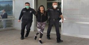 Hastanede doktora saldıran 'genç kız' tutuklandı