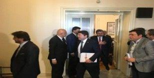 AK Parti-CHP görüşmesi sona erdi