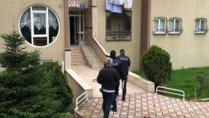 Tansiyon hastası kadını çocukları evin balkonunda ölü buldu