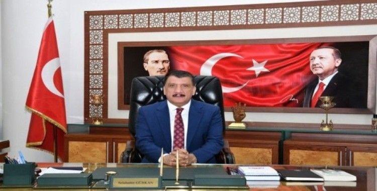 Başkan Gürkan 27 Mart Dünya Tiyatrolar Günü'nü kutladı