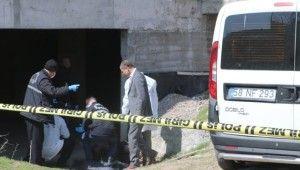 Oynarken ceset buldular