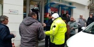 Sokağa çıkan yaşlılara polis uyarısı