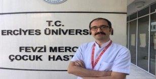 """Uzman Doktor Benhur Çetin: """"Maske doğru kullanılmazsa bizler için enfeksiyon kaynağı olacaktır"""""""
