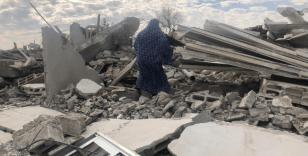 İsrail güçleri Filistinlere ait 3 evi yıktı