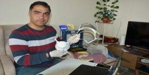 (Özel) Sağlık çalışanları için 3D yazıcıyla yüz koruyucu siper üretti
