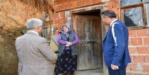 Vali Gürel, köylüleri koronavirüse karşı bilgilendirdi