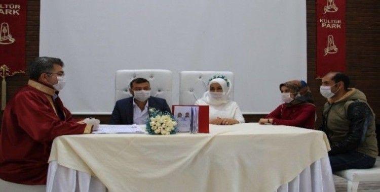 Nikah törenlerinde sıkı korona virüs önlemi