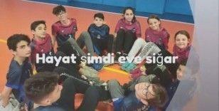 Bursa'da öğretmenlerden öğrencilere 'Evde Kal' çağrısı