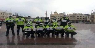 Trafik polislerinden 'evde kal' çağrısına destek