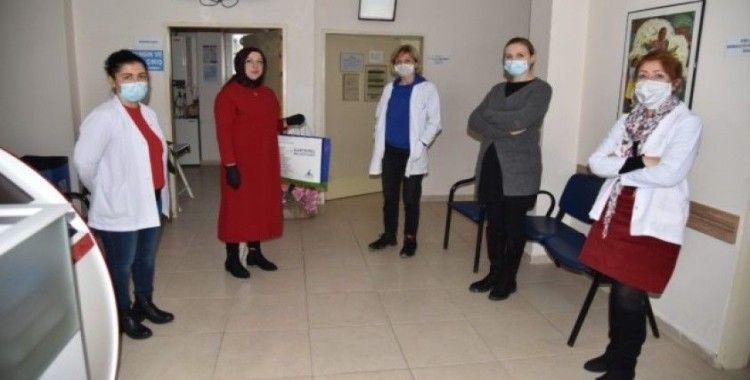 Başkan Kocaman'dan sağlık çalışanlarına ikram