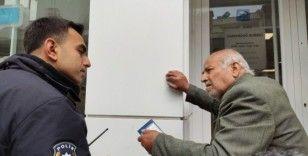 Samandağ'da yasağı dinlemeyen yaşlılar evlerine gönderildi