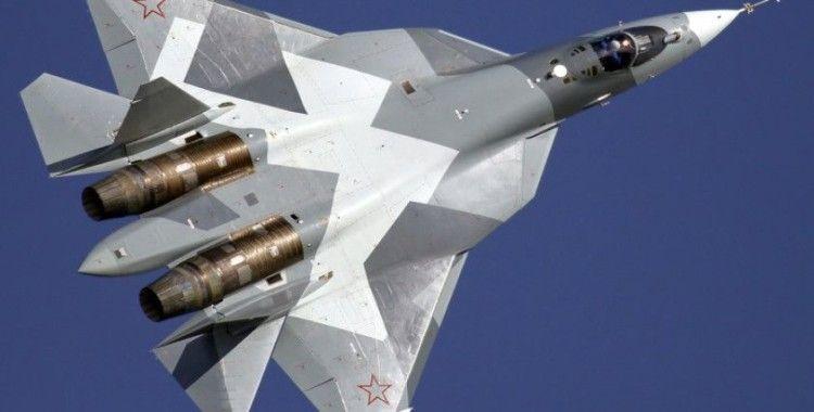 Rus uçaklarından  'Evde Kal' çağrısı