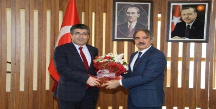 NEVÜ Rektörü Prof. Dr. Semih Aktekin göreve başladı