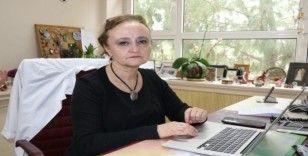 """Bilim kurulu üyesi Prof. Taşova: """"Adana gibi sıcak illerde virüs daha çabuk kırılabilir"""""""