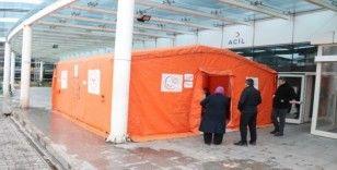 Hastane bahçesine Acil Triaj çadırı kuruldu
