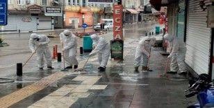 Kilis Belediyesi caddeleri sabunlu suyla yıkadı