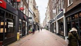 Hollanda'da koronavirüs nedeniyle ölenlerin sayısı 864'e yükseldi