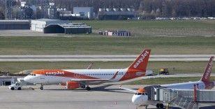 Easyjet koronavirüs nedeniyle tüm uçuşlarını durdurdu; çalışanların maaşını devlet ödeyecek