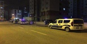 Balkondan atlayan genç kız ağır yaralandı