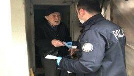 Kırka polisi yaşlıların maaşlarına evlerinde teslim ediyor
