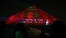 Mısır Piramitlerinden dünyaya 'Evde Kal' mesajı