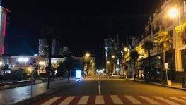 Gürcistan'da caddeler ve sokaklar boş kaldı
