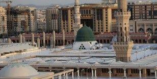 Mekke ve Medine'de sokağa çıkma yasağı 24 saate çıkarıldı