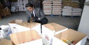 Döşemealtı Belediyesi'nden 65 yaş üzeri 600 kişiye gıda yardımı