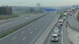 Kocaeli-İstanbul sınırında kilometrelerce araç kuyruğu oluştu