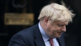 İngiltere Başbakanı Johnson, korona virüs semptomları nedeniyle hastaneye kaldırıldı