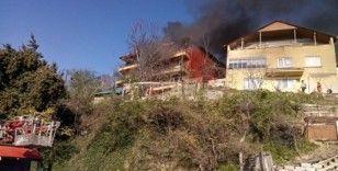 Zonguldak'ta yangın: 2 daire kullanılamaz hale geldi