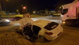 Kontrolden çıkan otomobil su kanalına çarptı: 4 yaralı