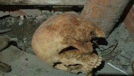 Çatı katında kafatası bulundu