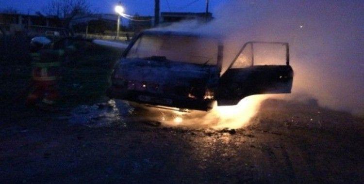 Sigara izmariti kamyoneti yaktı