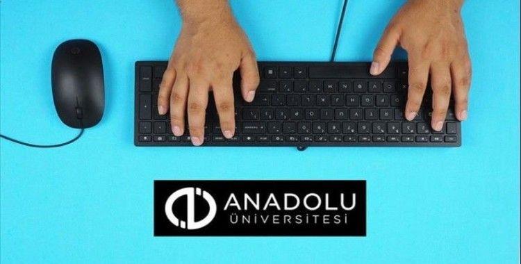 Anadolu Üniversitesi açıköğretim sınavı başarıyla tamamlandı