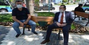 """""""Sosyal mesafeli banklar"""" Tekirdağ'da da konulmaya başlandı"""