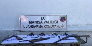 Jandarmadan ruhsatsız silah operasyonu: 3 gözaltı